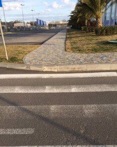 Sochi curb without ramp